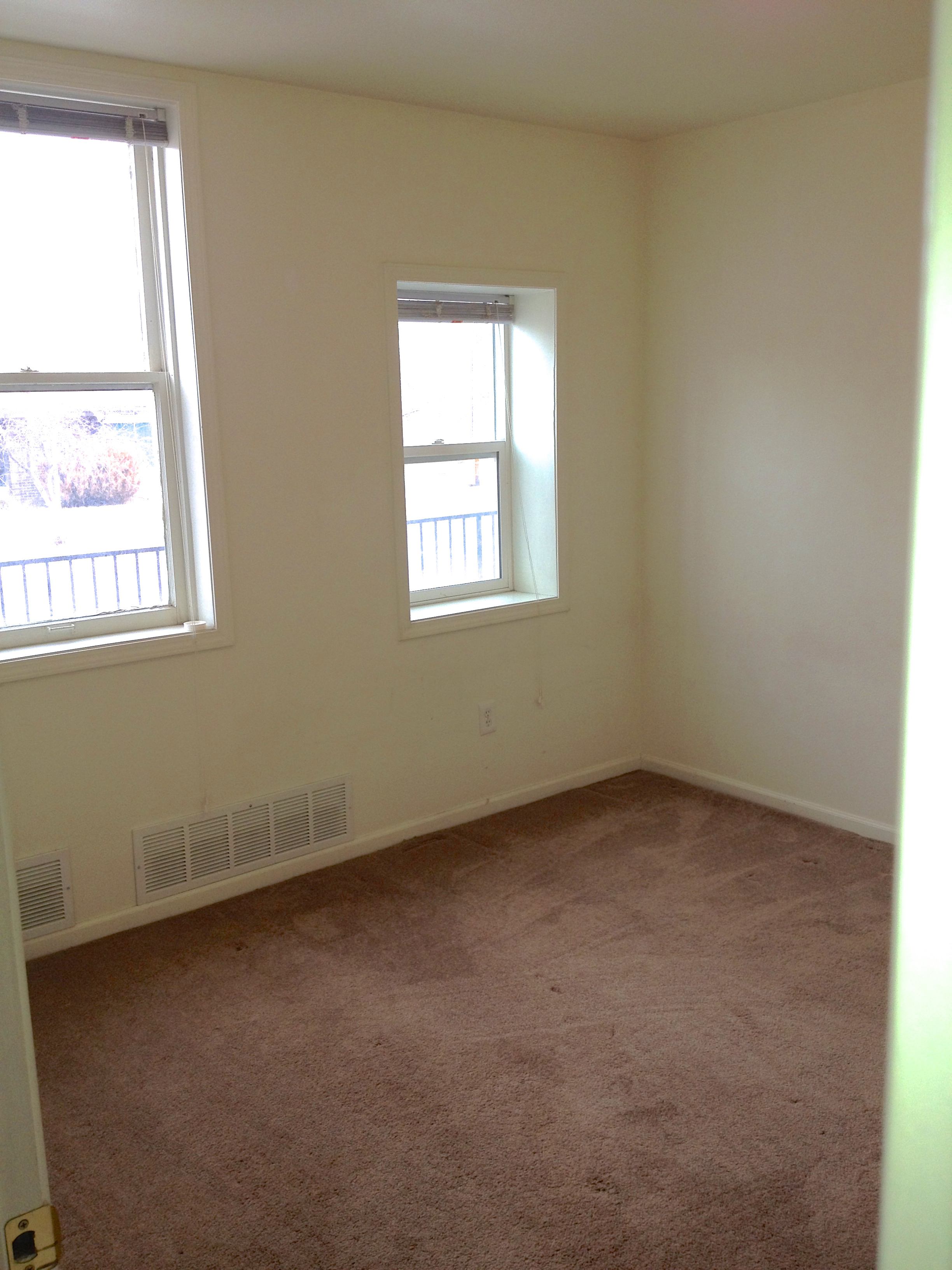 1 bedroom 1 bathroom apartment available soon 309 casper rental central for Apartment 1 bedroom 1 bathroom