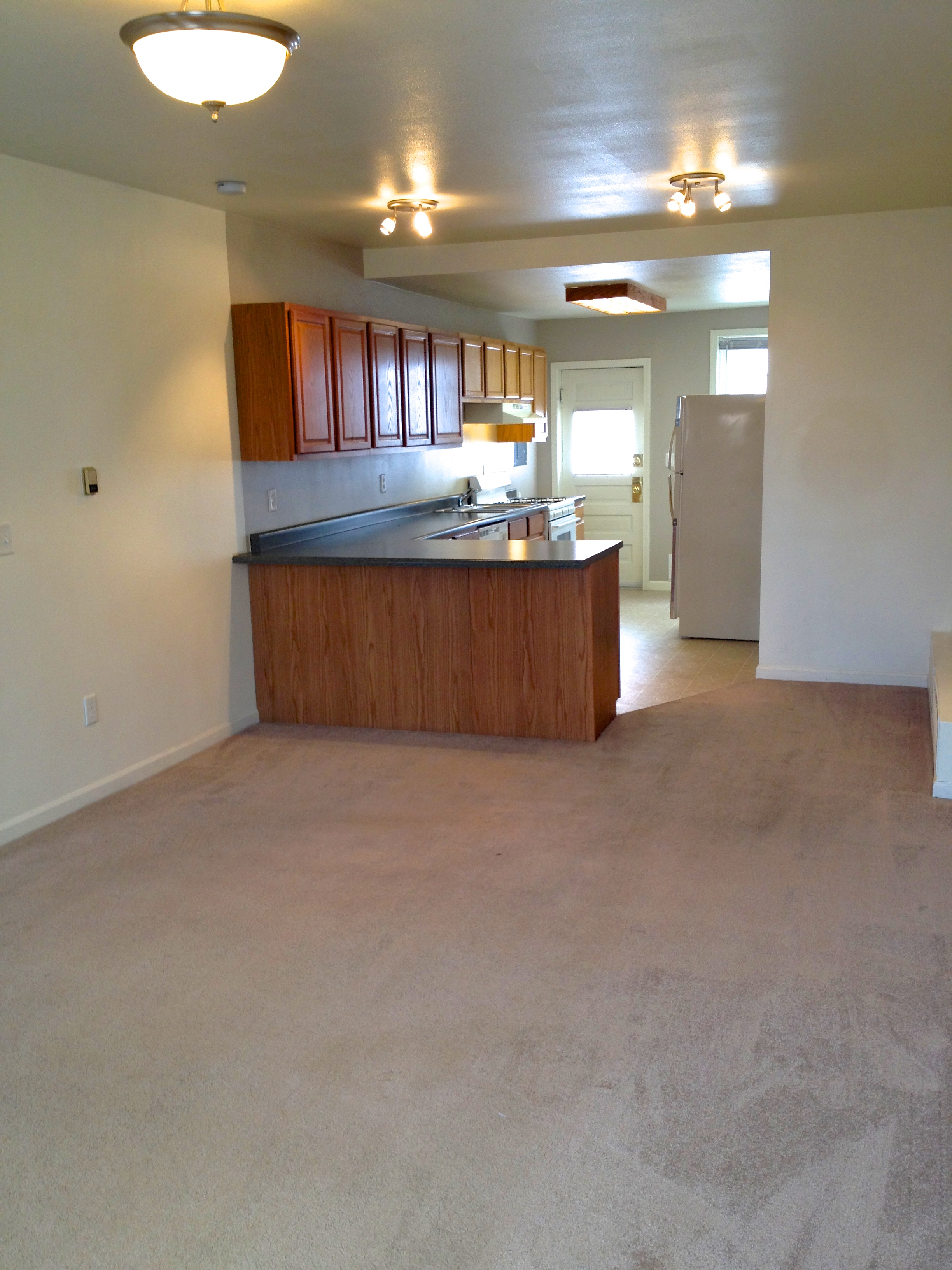 1 bedroom 1 bathroom apartment available soon 309 casper rental central for Apartments for rent 1 bedroom 1 bath